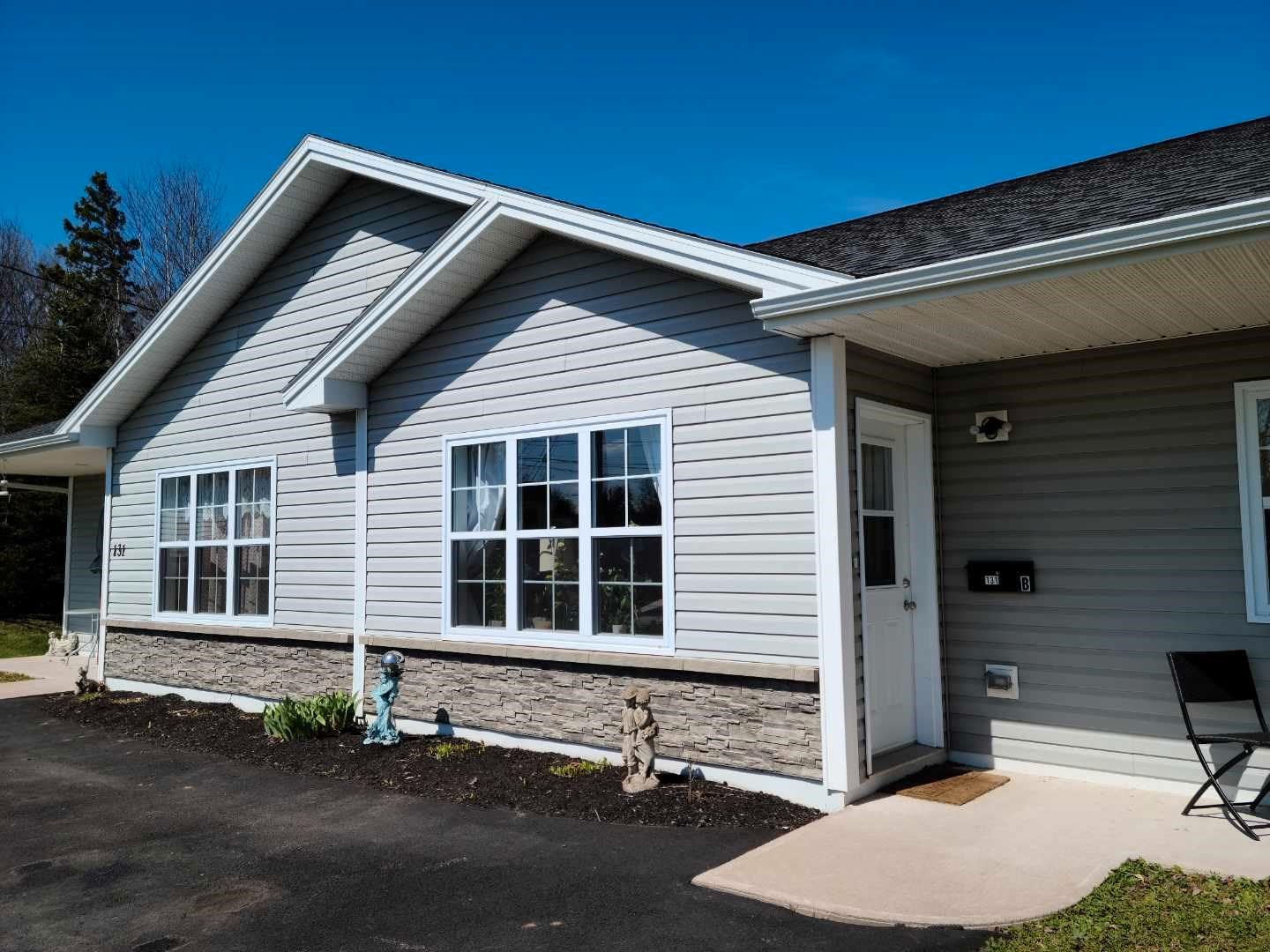 Photo 2: Photos: 131 Waller Drive in Truro: 104-Truro/Bible Hill/Brookfield Multi-Family for sale (Northern Region)  : MLS®# 202110237