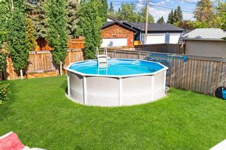 Photo 3: 432 Woodland Crescent SE in Calgary: Willow Park Detached for sale : MLS®# A1147020