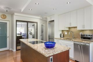 """Photo 8: 405 1930 MARINE Drive in West Vancouver: Ambleside Condo for sale in """"Park Marine"""" : MLS®# R2577274"""