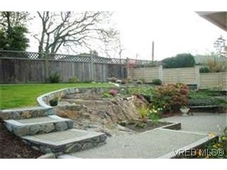 Photo 2:  in VICTORIA: Es Gorge Vale Row/Townhouse for sale (Esquimalt)  : MLS®# 393845