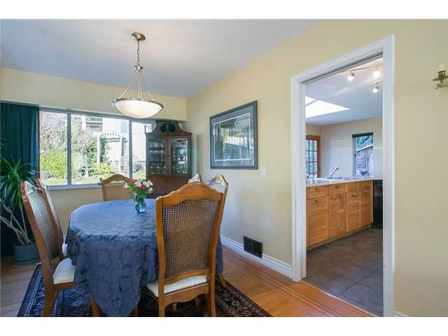 Photo 8: Photos: 756 BLYTHWOOD Drive in North Vancouver: Delbrook House for sale : MLS®# V1046211