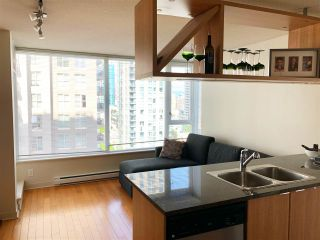 """Photo 5: 1403 1001 RICHARDS Street in Vancouver: Downtown VW Condo for sale in """"MIRO"""" (Vancouver West)  : MLS®# R2361718"""