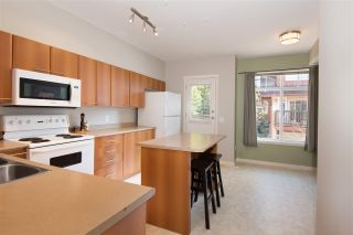 """Photo 5: 72 2000 PANORAMA Drive in Port Moody: Heritage Woods PM Townhouse for sale in """"Mountain's Edge"""" : MLS®# R2367552"""