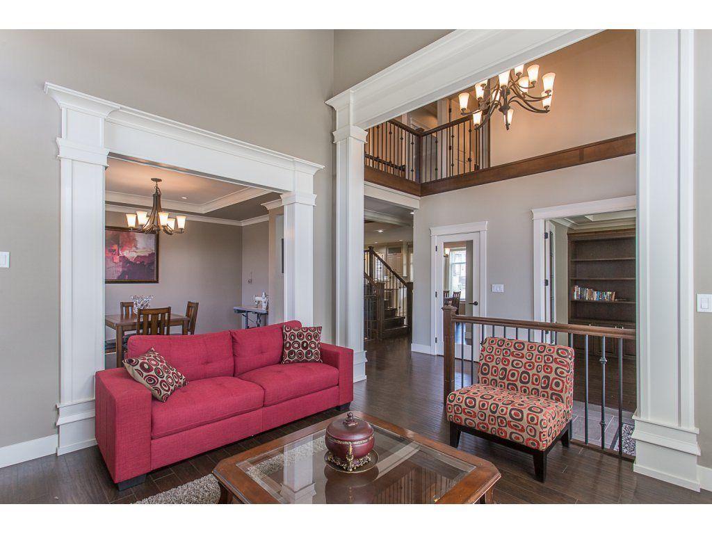 Photo 3: Photos: 18815 53A Avenue in Surrey: Cloverdale BC House for sale (Cloverdale)  : MLS®# R2272944