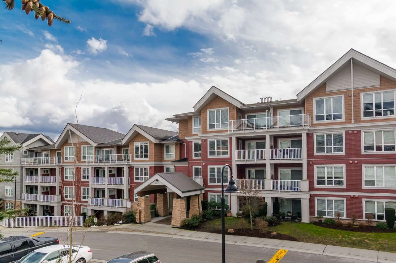 """Main Photo: 309 6440 194 Street in Surrey: Clayton Condo for sale in """"Waterstone"""" (Cloverdale)  : MLS®# R2392208"""