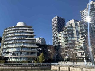 """Photo 2: 1001 628 KINGHORNE Mews in Vancouver: Yaletown Condo for sale in """"SILVER SEA"""" (Vancouver West)  : MLS®# R2510572"""