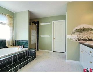 """Photo 7: 9266 207TH Street in Langley: Walnut Grove House for sale in """"GREENWOOD"""" : MLS®# F2831840"""