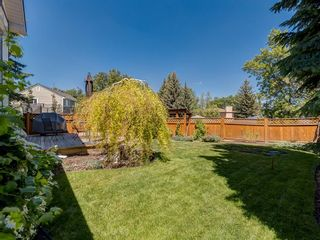 Photo 2: 9844 PALISTONE Road SW in Calgary: Palliser House for sale : MLS®# C4192205