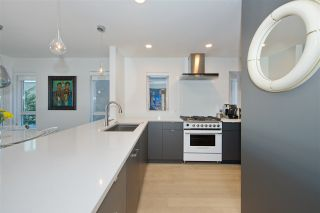 Photo 2: 201 2238 W 2ND Avenue in Vancouver: Kitsilano Condo for sale (Vancouver West)  : MLS®# R2422164