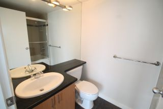 """Photo 15: 2006 1077 MARINASIDE Crescent in Vancouver: Yaletown Condo for sale in """"MARINASIDE RESORT"""" (Vancouver West)  : MLS®# R2074726"""