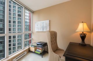 Photo 3: 1607 1189 MELVILLE STREET in Vancouver: Coal Harbour Condo for sale (Vancouver West)  : MLS®# R2199984