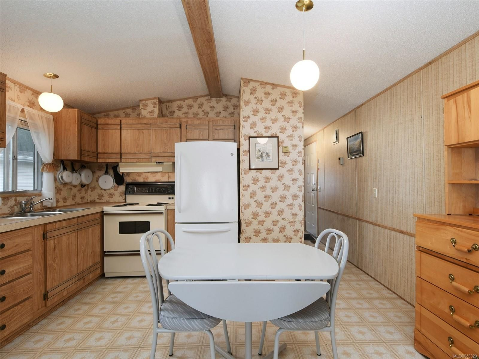 Photo 7: Photos: 25 7871 West Coast Rd in : Sk Kemp Lake Manufactured Home for sale (Sooke)  : MLS®# 856820