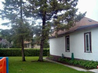 Photo 2: 688 PRINCE RUPERT Avenue in WINNIPEG: East Kildonan Single Family Detached for sale (North East Winnipeg)  : MLS®# 2708479