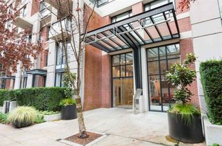 """Main Photo: 405 977 MAINLAND Street in Vancouver: Yaletown Condo for sale in """"YALETOWN PARK III"""" (Vancouver West)  : MLS®# R2612866"""