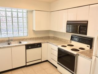 """Photo 5: 204 1010 BURNABY Street in Vancouver: West End VW Condo for sale in """"THE ELLINGTON"""" (Vancouver West)  : MLS®# R2258378"""