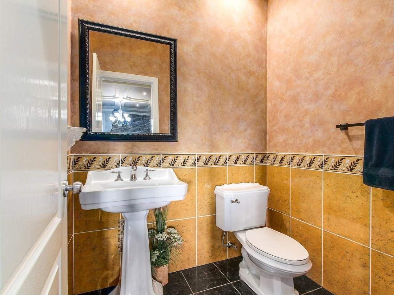 Photo 12: Photos: 725 REGAN Avenue in Coquitlam: Coquitlam West House for sale : MLS®# R2226266