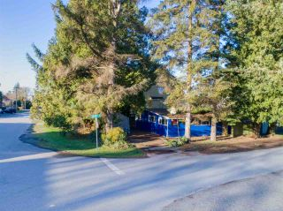 "Photo 1: 3033 MCBRIDE Avenue in Surrey: Crescent Bch Ocean Pk. House for sale in ""Crescent Beach"" (South Surrey White Rock)  : MLS®# R2280525"