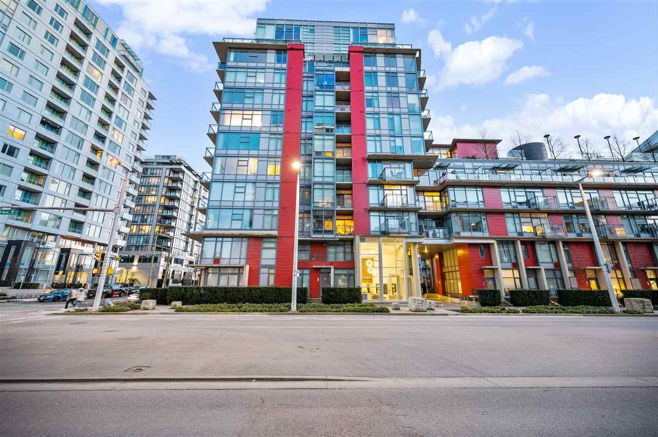 "Main Photo: 907 38 W 1ST Avenue in Vancouver: False Creek Condo for sale in ""The One"" (Vancouver West)  : MLS®# R2552477"