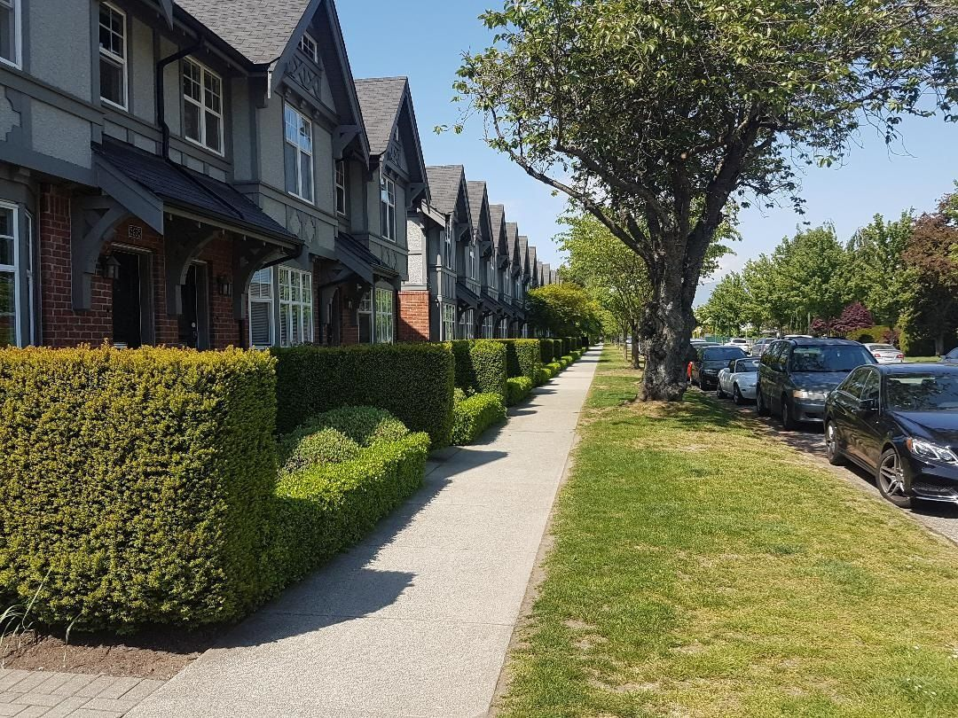Main Photo: 5635 WILLOW Street in Vancouver: Cambie Townhouse for sale (Vancouver West)  : MLS®# R2625755