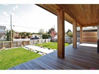 Photo 3: 3085 MCBRIDE Avenue in Surrey: Crescent Bch Ocean Pk. House for sale (South Surrey White Rock)  : MLS®# F1408818