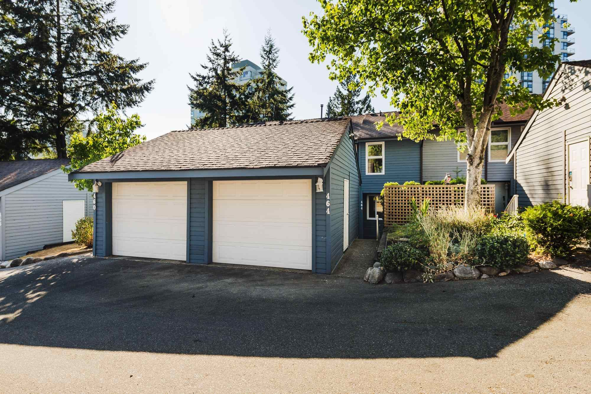 """Main Photo: 464 LEHMAN Place in Port Moody: North Shore Pt Moody Townhouse for sale in """"EAGLEPOINT"""" : MLS®# R2604397"""