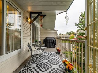 """Photo 16: 306 15298 20 Avenue in Surrey: King George Corridor Condo for sale in """"WATERFORD HOUSE"""" (South Surrey White Rock)  : MLS®# R2625551"""