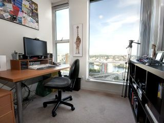 Photo 4: 3205 1008 CAMBIE Street in Vancouver: Yaletown Condo for sale (Vancouver West)  : MLS®# V910319