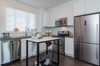 Photo 9: #123-15340 GUILDFORD DRIVE in Surrey: Guildford Townhouse for sale (North Surrey)