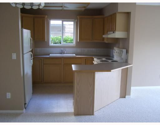 """Photo 3: Photos: 33 689 PARK Road in Gibsons: Gibsons & Area Condo for sale in """"PARK RISE"""" (Sunshine Coast)  : MLS®# V737713"""