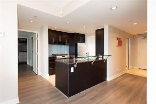 "Photo 5: 802 638 BEACH Crescent in Vancouver: Yaletown Condo for sale in ""ICON"" (Vancouver West)  : MLS®# R2511968"
