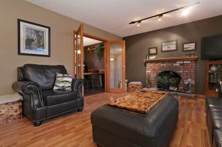 """Photo 3: 16975 JERSEY Drive in Surrey: Cloverdale BC House for sale in """"JERSEY HILLS"""" (Cloverdale)  : MLS®# R2025233"""