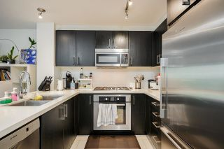 """Photo 3: 320 3163 RIVERWALK Avenue in Vancouver: South Marine Condo for sale in """"New Water"""" (Vancouver East)  : MLS®# R2584543"""