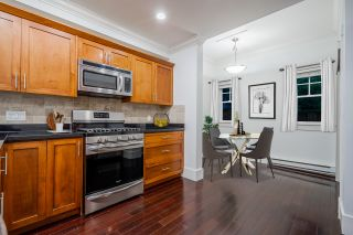 """Photo 4: 784 ST. GEORGES Avenue in North Vancouver: Central Lonsdale Townhouse for sale in """"St. Georges Row"""" : MLS®# R2409254"""