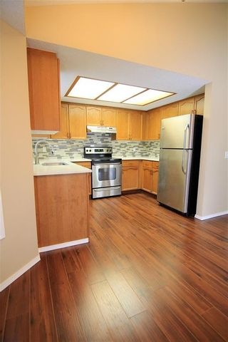 Photo 4: 2863 Catalina Boulevard NE in Calgary: Monterey Park Detached for sale : MLS®# A1075409