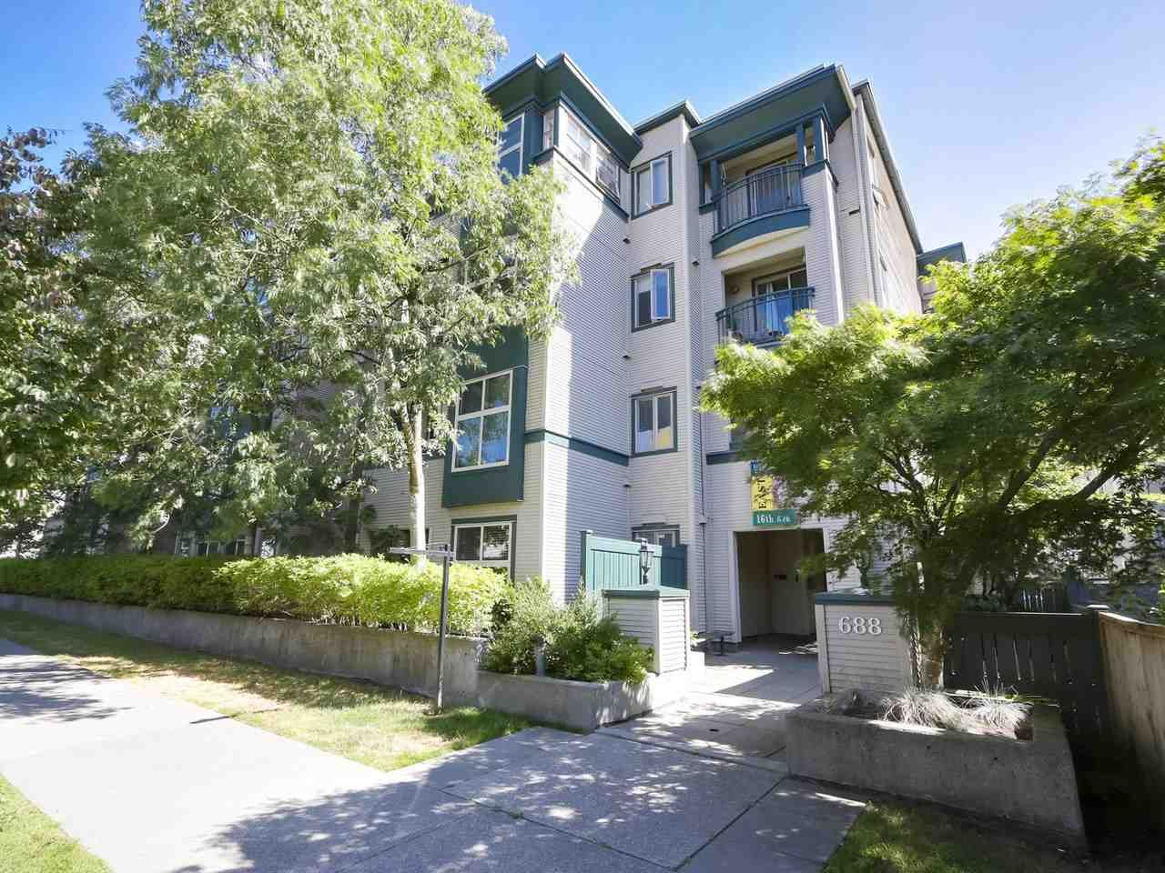 """Main Photo: 312 688 E 16TH Avenue in Vancouver: Fraser VE Condo for sale in """"Vintage Eastside"""" (Vancouver East)  : MLS®# R2510286"""
