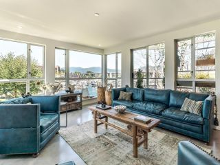"""Photo 4: 307 1502 ISLAND PARK Walk in Vancouver: False Creek Condo for sale in """"The Lagoons"""" (Vancouver West)  : MLS®# R2606940"""