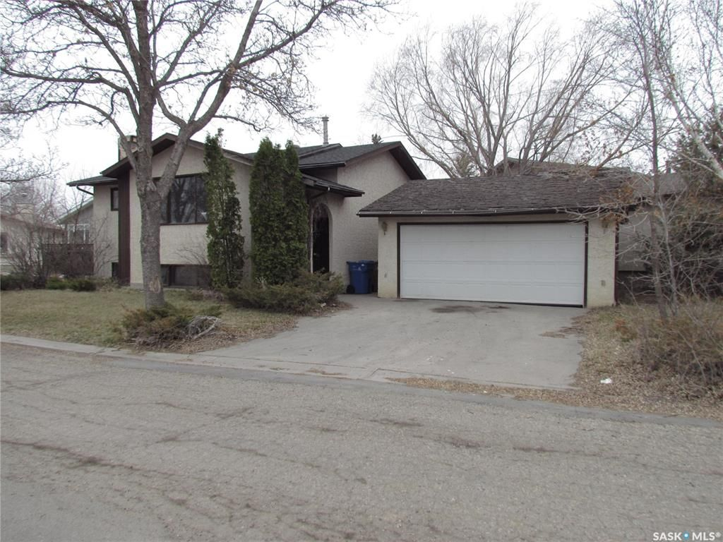 Main Photo: 7142 Blakeney Drive in Regina: Sherwood Estates Residential for sale : MLS®# SK852309