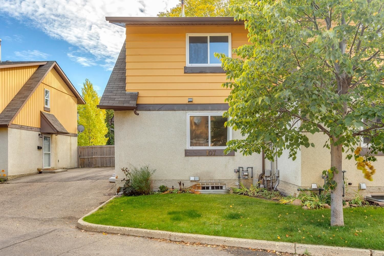Main Photo:  in Edmonton: Zone 20 Townhouse for sale : MLS®# E4264653