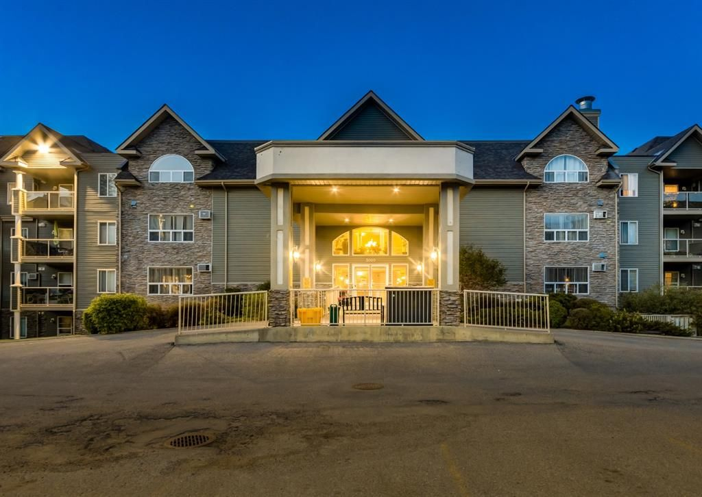 Main Photo: 3229 3229 MILLRISE Point SW in Calgary: Millrise Apartment for sale : MLS®# A1116138