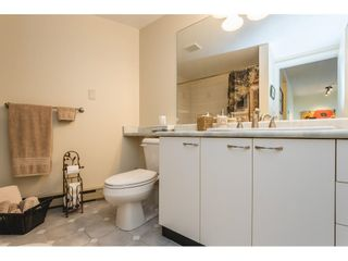 """Photo 16: 502 15111 RUSSELL Avenue: White Rock Condo for sale in """"Pacific Terrace"""" (South Surrey White Rock)  : MLS®# R2597995"""