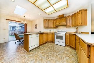 """Photo 10: 1858 WALNUT Crescent in Coquitlam: Central Coquitlam House for sale in """"LAURENTIAN HEIGHTS"""" : MLS®# R2334378"""