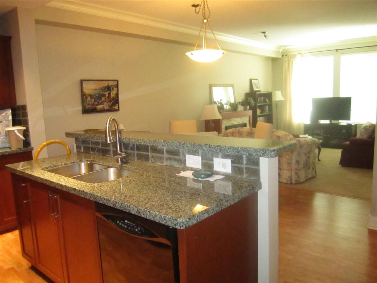 """Photo 5: Photos: 106 5430 201 Street in Langley: Langley City Condo for sale in """"The Sonnet"""" : MLS®# R2086075"""