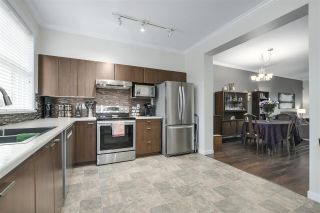 """Photo 6: 35 11067 BARNSTON VIEW Road in Pitt Meadows: South Meadows Townhouse for sale in """"COHO"""" : MLS®# R2344375"""