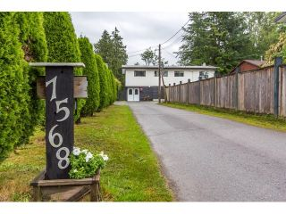 Photo 1: 7568 LEE Street in Mission: Mission BC House for sale : MLS®# R2076118