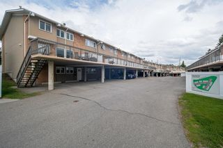 Photo 2: 19 116 Silver Crest Drive NW in Calgary: Silver Springs Row/Townhouse for sale : MLS®# A1118280