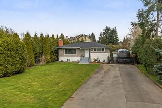 Photo 1: 5896 179 Street in Surrey: Cloverdale BC House for sale (Cloverdale)  : MLS®# R2252561