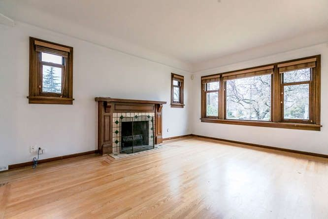 Photo 3: Photos: 808 E 28TH AVENUE in Vancouver: Fraser VE House for sale (Vancouver East)  : MLS®# R2154503