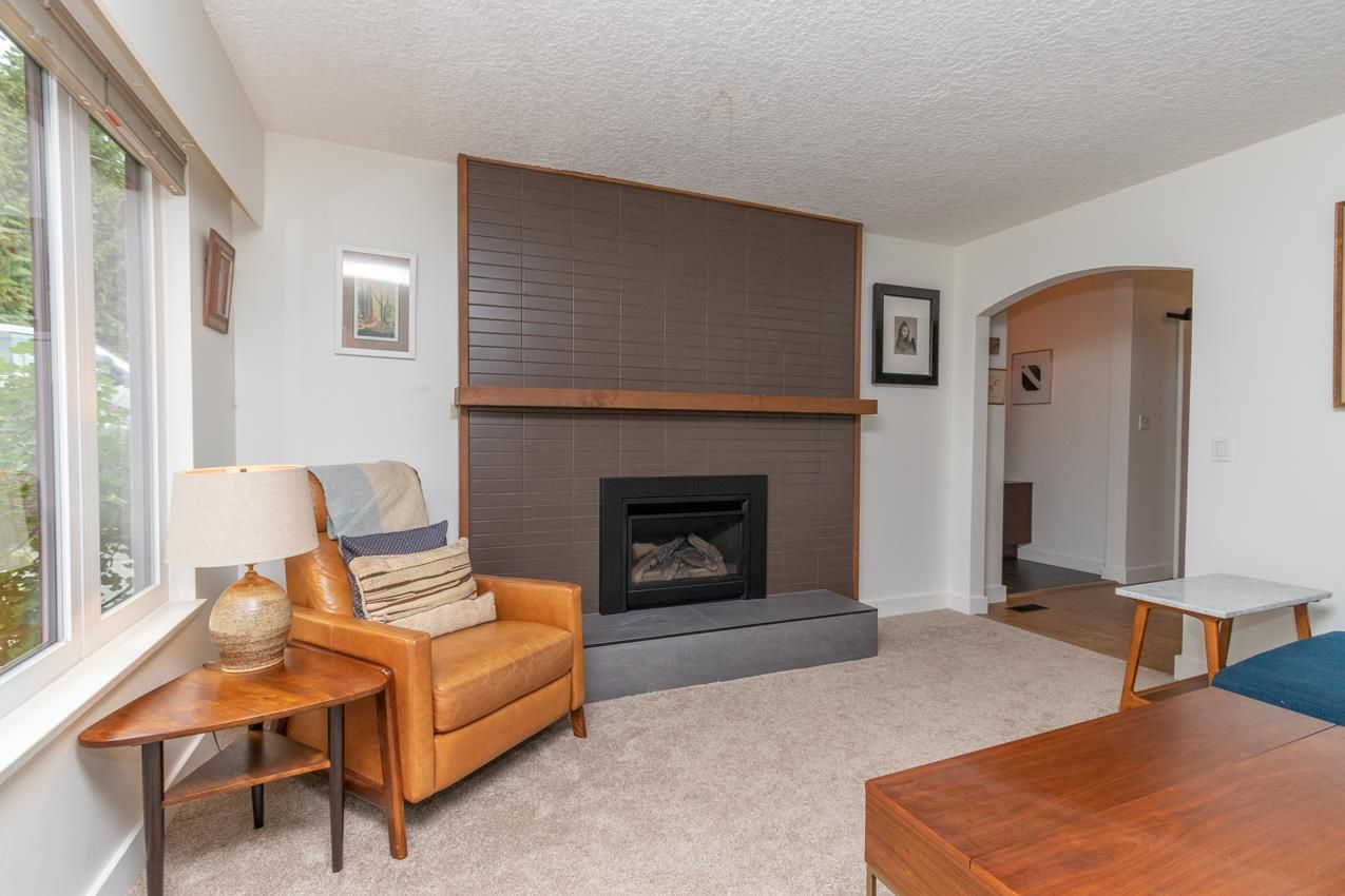 Photo 5: Photos: 1314 MOUNTAIN Highway in North Vancouver: Westlynn House for sale : MLS®# R2572041