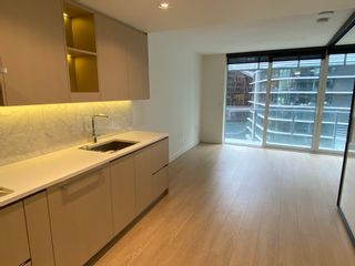 Photo 2: 8F 89 Nelson St. in Vancouver: Yaletown Condo for rent (Vancouver West)