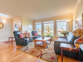 Photo 3: 879 Temple St in PARKSVILLE: PQ Parksville House for sale (Parksville/Qualicum)  : MLS®# 804990